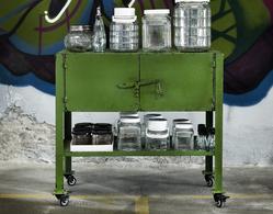 Metallskåp på hjul, Grön